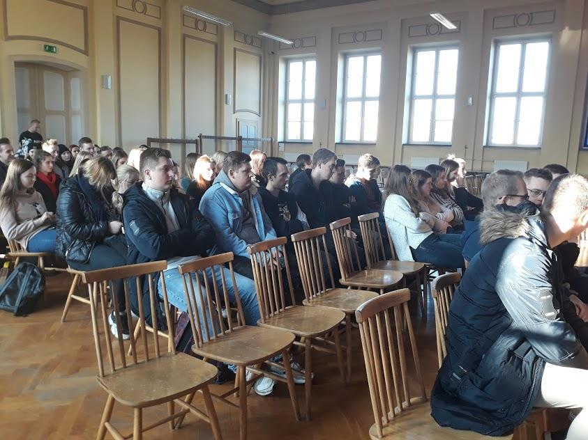 """Spotkanie dla klas 4 -,,Handel ludźmi – podstawowe informacje"""""""